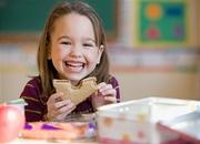 გოგო ჭამს