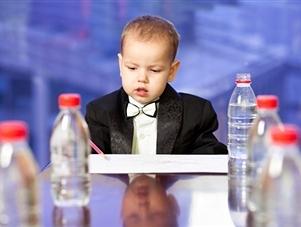 რას უნდა მიაქციოთ ყურადღება ბავშვისთვის განკუთვნილი წყლის არჩევის დროს?