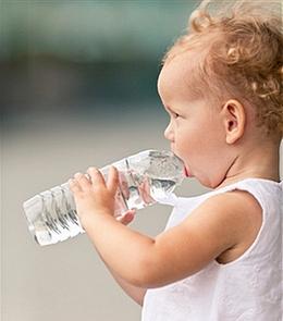 როგორი წყალი უნდა მივცეთ ბავშვს?
