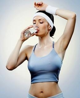 შეიძლება თუ არა წყლის დალევა სპორტული ვარჯიშის დროს ან მის შემდეგ?