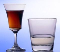 შეიძლება თუ არა წყლის დალევა ალკოჰოლის მიღების დროს