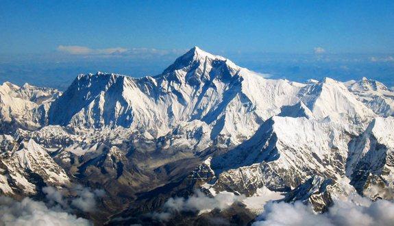 ევერესტი / ჯომოლუნგმა (Everest / Chomolungma)