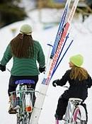 დედა-შვილი ველოსიპედზე