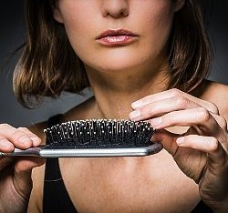 თმის ცვენის მიზეზები 30 წლამდე ასაკის ქალებში